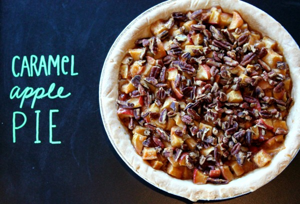 Easy Caramel Apple Pie - so quick and easy and perfect for fall!